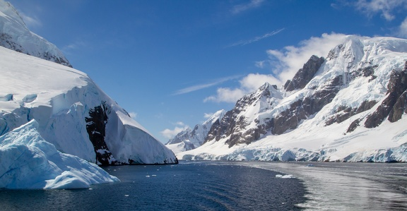 Antarctica Peninsula - Lemaire Channel